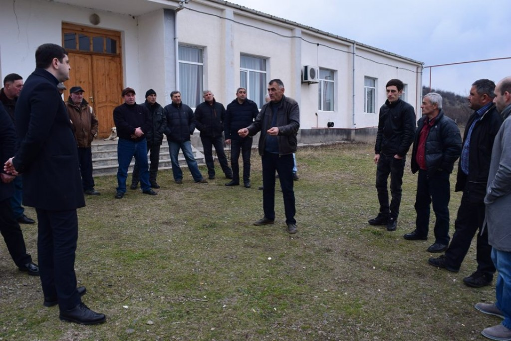 Grigol Nemsadze met with residents of village Rachisubani