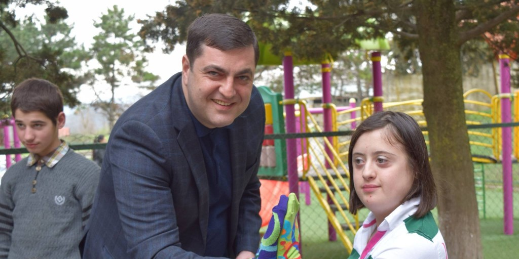 The governor visited the Bolnisi Day Center in connection with the International Day of Dundee Syndrome