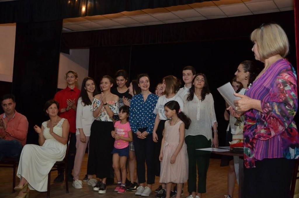 რუსთავში სასკოლო თეატრალური ფესტივალი დაიხურა