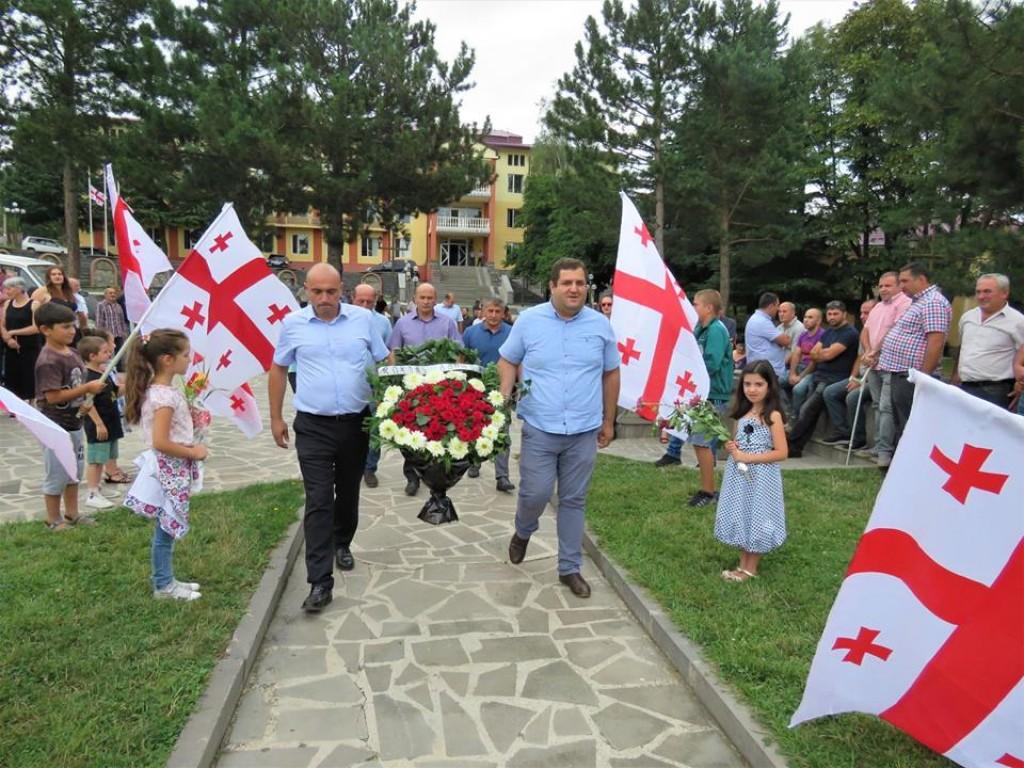დმანისსა და ბოლნისში აგვისტოს ომის გმირებს პატივი მიაგეს