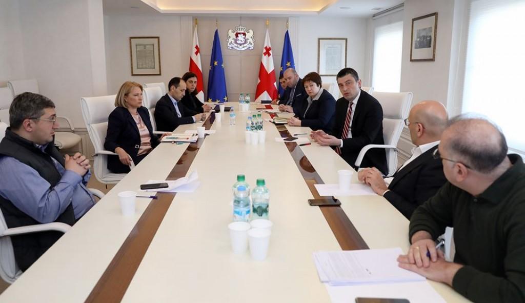 საქართველოს პრემიერ-მინისტრ გიორგი გახარიას და მთავრობის ეკონომიკური გუნდის შეხვედრა
