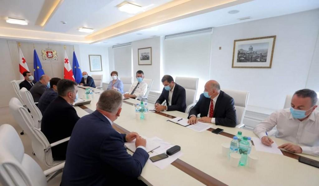 პრემიერ-მინისტრის შეხვედრა სახელმწიფო რწმუნებულებთან