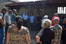 The deputy governor met with the population of Vaziani