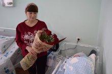 შოთა რეხვიაშვილმა გარდაბნელ ქალბატონებს დედის დღე მიულოცა