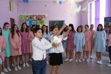 23-ე საჯარო სკოლაში დედა ენის ძეგლი გაიხსნა