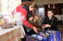 შოთა რეხვიაშვილმა დმანისში მცხოვრებ ოჯახებს დამდეგი დღესასწაულები პირადად მიულოცა