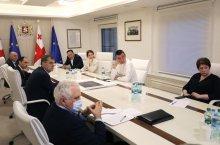პრემიერ-მინისტრმა ბოლნისის მუნიციპალიტეტის სოფლებში არსებულ რთულ ეპიდემიოლოგიურ მდგომარეობაზე სამუშაო შეხვედრა გამართა